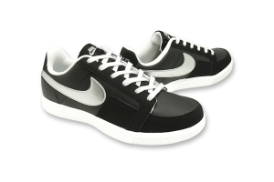 NIKE Dynasty Lite Low
